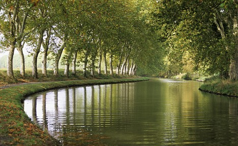 Capestang, Herault Department, France --- France, Herault, Capestang, Canal du Midi, classified as World Heritage by UNESCO --- Image by © Camille Moirenc/Hemis/Corbis