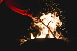 campfire-1031162_1280 evs